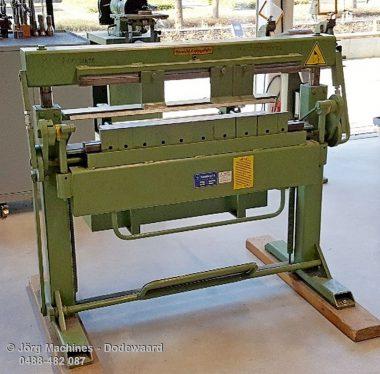 M1041 Vingerzetbank Schechtl UKV100/S - handbediend 1050 x 2 mm