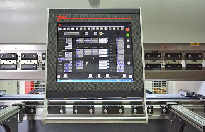 JÖRG Dener Puma XL hydraulische kantpers ESA 660 W besturing