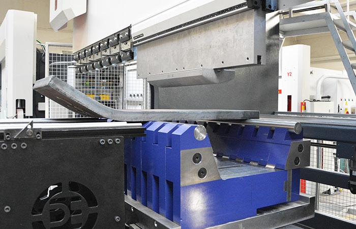 JÖRG Dener Puma XL hydraulische kantpers klemsysteem
