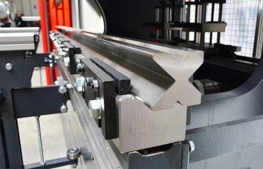 JÖRG Dener Smart XL hydraulische kantpers klemsysteem