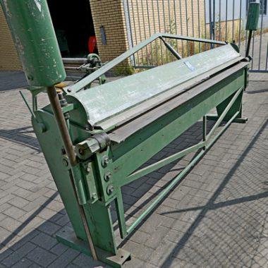 Gebruikte zetbank Jörg. Heel geschikt voor platen van 2,25 of 2,50 meter, zinken dakgoten e.d.