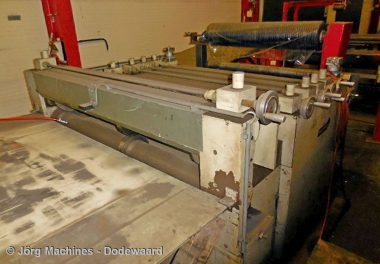 M1065 Slitlijn Teesing, Kniplijn met hydraulische decoiler