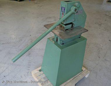 M1075 - Gebruikte UIthoeker Jörg 1020 met scherpe messen