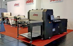 Jörg Lasersnijmachine op beurs