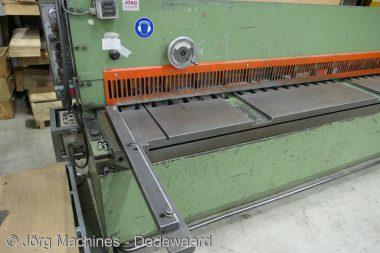 M1117 Guillotineschaar Wila HS 255-3 2500x3 mm P1030490-LR1
